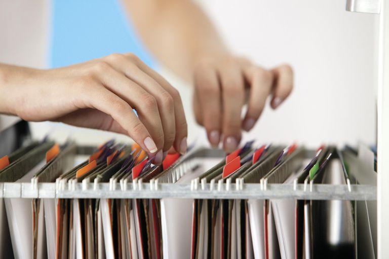 lưu trữ hồ sơ nhân viên