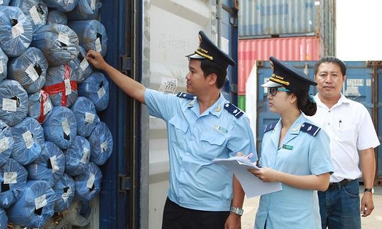 Nhân viên Hải quan đòi hỏi phải trải qua các kỳ thi do cơ quan Hải quan tổ chức